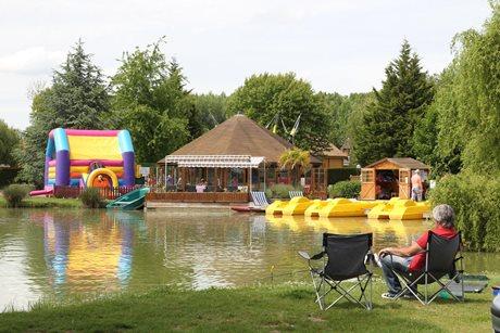 Camping La Croix du Vieux Pont - Frankrijk - Parijs & omgeving