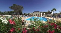 Vakantiepark Les Ayguades <br/>EUR 641.03 <br/> <a href='https://www.vacanceselect.com/nl/Partners/TradeTracker/?tt=865_250989_45326_Heerlijkevakantie&amp;r=https%3A%2F%2Fwww.vacanceselect.com%2Fnl%2Fvakantiepark%2Ffrankrijk%2Flanguedoc-roussillon%2Fvakantiepark-les-ayguades%2F50451' target='_blank'>Reserveren</a>