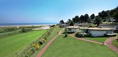 Vakantiepark Omaha Beach <br/>EUR 477.61 <br/> <a href='https://www.vacanceselect.com/nl/Partners/TradeTracker/?tt=865_250989_45326_Heerlijkevakantie&amp;r=https%3A%2F%2Fwww.vacanceselect.com%2Fnl%2Fvakantiepark%2Ffrankrijk%2Fnormandie%2Fvakantiepark-omaha-beach%2F50511' target='_blank'>Reserveren</a>