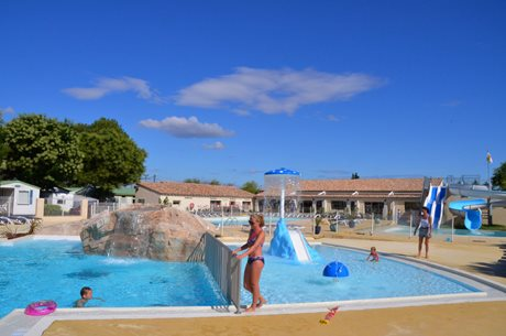 Camping Bon Port - France - Languedoc-Roussillon
