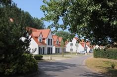Dormio Resort Berck sur Mer <br/>EUR 738.63 <br/> <a href='https://www.vacanceselect.com/nl/Partners/TradeTracker/?tt=865_250989_45326_Heerlijkevakantie&amp;r=https%3A%2F%2Fwww.vacanceselect.com%2Fnl%2Fvakantiepark%2Ffrankrijk%2Fpicardie%2Fdormio-resort-berck-sur-mer%2F51895' target='_blank'>Reserveren</a>