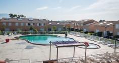 Vakantiepark Les Demeures de Torrellanes <br/>EUR 237.06 <br/> <a href='https://www.vacanceselect.com/nl/Partners/TradeTracker/?tt=865_250989_45326_Heerlijkevakantie&r=https%3A%2F%2Fwww.vacanceselect.com%2Fnl%2Fvakantiepark%2Ffrankrijk%2Flanguedoc-roussillon%2Fvakantiepark-les-demeures-de-torrellanes%2F52046' target='_blank'>Reserveren</a>