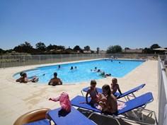 Vakantiepark Domaine Les Forges <br/>EUR 389.32 <br/> <a href='https://www.vacanceselect.com/nl/Partners/TradeTracker/?tt=865_250989_45326_Heerlijkevakantie&amp;r=https%3A%2F%2Fwww.vacanceselect.com%2Fnl%2Fvakantiepark%2Ffrankrijk%2Fpoitou-charentes%2Fvakantiepark-domaine-les-forges%2F50571' target='_blank'>Reserveren</a>