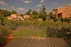 Vakantiepark Jardin du Golf <br/>EUR 971.27 <br/> <a href='https://www.vacanceselect.com/nl/Partners/TradeTracker/?tt=865_250989_45326_Heerlijkevakantie&amp;r=https%3A%2F%2Fwww.vacanceselect.com%2Fnl%2Fvakantiepark%2Ffrankrijk%2Fprovence%2Fvakantiepark-jardin-du-golf%2F51697' target='_blank'>Reserveren</a>