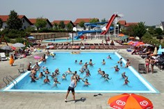 Villapark Várgesztes <br/>EUR 890.98 <br/> <a href='https://www.vacanceselect.com/nl/Partners/TradeTracker/?tt=865_250989_45326_Heerlijkevakantie&amp;r=https%3A%2F%2Fwww.vacanceselect.com%2Fnl%2Fvakantiepark%2Fhongarije%2Fboedapest-en-omgeving%2Fvillapark-vargesztes%2F3948' target='_blank'>Reserveren</a>