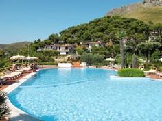 Villaggio Costa di Kair ed Din <br/>EUR 446.19 <br/> <a href='https://www.vacanceselect.com/nl/Partners/TradeTracker/?tt=865_250989_45326_Heerlijkevakantie&r=https%3A%2F%2Fwww.vacanceselect.com%2Fnl%2Fvakantiepark%2Fitalie%2Frome-lazio%2Fvillaggio-costa-di-kair-ed-din%2F51970' target='_blank'>Reserveren</a>
