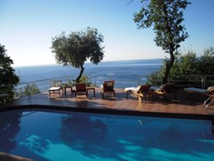 Borgo San Sebastiano <br/>EUR 515.61 <br/> <a href='https://www.vacanceselect.com/nl/Partners/TradeTracker/?tt=865_250989_45326_Heerlijkevakantie&amp;r=https%3A%2F%2Fwww.vacanceselect.com%2Fnl%2Fvakantiepark%2Fitalie%2Fbloemenriviera%2Fborgo-san-sebastiano%2F51997' target='_blank'>Reserveren</a>