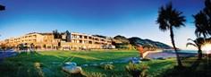 Resort Marina degli Aregai <br/>EUR 340.79 <br/> <a href='https://www.vacanceselect.com/nl/Partners/TradeTracker/?tt=865_250989_45326_Heerlijkevakantie&amp;r=https%3A%2F%2Fwww.vacanceselect.com%2Fnl%2Fvakantiepark%2Fitalie%2Fbloemenriviera%2Fresort-marina-degli-aregai%2F3274' target='_blank'>Reserveren</a>