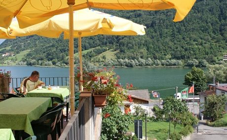 Camping La Tartufaia - Italy - Lake Iseo