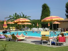 Villaggio Artemide <br/>EUR 345.89 <br/> <a href='https://www.vacanceselect.com/nl/Partners/TradeTracker/?tt=865_250989_45326_Heerlijkevakantie&amp;r=https%3A%2F%2Fwww.vacanceselect.com%2Fnl%2Fvakantiepark%2Fitalie%2Fsicilie%2Fvillaggio-artemide%2F51920' target='_blank'>Reserveren</a>