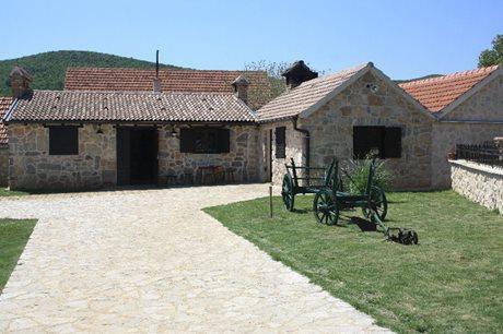 Camping Resort Micanovi Dvori - Village Zrmanje - Kroatië - Dalmatië