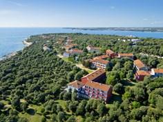 Vakantiepark Lanterna Sunny Resort <br/>EUR 217.00 <br/> <a href='https://www.vacanceselect.com/nl/Partners/TradeTracker/?tt=865_250989_45326_Heerlijkevakantie&r=https%3A%2F%2Fwww.vacanceselect.com%2Fnl%2Fvakantiepark%2Fkroatie%2Fistrie%2Fvakantiepark-lanterna-sunny-resort%2F1566' target='_blank'>Reserveren</a>