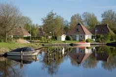 Vakantiepark It Wiid <br/>EUR 587.25 <br/> <a href='https://www.vacanceselect.com/nl/Partners/TradeTracker/?tt=865_250989_45326_Heerlijkevakantie&amp;r=https%3A%2F%2Fwww.vacanceselect.com%2Fnl%2Fvakantiepark%2Fnederland%2Ffriesland%2Fvakantiepark-it-wiid%2F52018' target='_blank'>Reserveren</a>