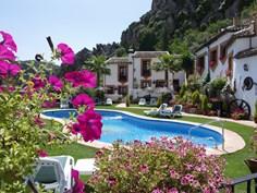 Casas de Montejaque <br/>EUR 435.13 <br/> <a href='https://www.vacanceselect.com/nl/Partners/TradeTracker/?tt=865_250989_45326_Heerlijkevakantie&amp;r=https%3A%2F%2Fwww.vacanceselect.com%2Fnl%2Fvakantiepark%2Fspanje%2Fandalusie%2Fcasas-de-montejaque%2F50326' target='_blank'>Reserveren</a>