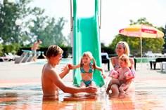 Vakantiepark Terme Lendava <br/>EUR 439.25 <br/> <a href='https://www.vacanceselect.com/nl/Partners/TradeTracker/?tt=865_250989_45326_Heerlijkevakantie&amp;r=https%3A%2F%2Fwww.vacanceselect.com%2Fnl%2Fvakantiepark%2Fslovenie%2Fbinnenland%2Fvakantiepark-terme-lendava%2F50018' target='_blank'>Reserveren</a>