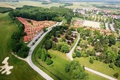Vakantiepark Terme 3000 <br/>EUR 493.59 <br/> <a href='https://www.vacanceselect.com/nl/Partners/TradeTracker/?tt=865_250989_45326_Heerlijkevakantie&r=https%3A%2F%2Fwww.vacanceselect.com%2Fnl%2Fvakantiepark%2Fslovenie%2Fbinnenland%2Fvakantiepark-terme-3000%2F50007' target='_blank'>Reserveren</a>